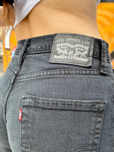 Load image into Gallery viewer, Vintage 90s Levi's Denim Shorts Bermuda in Black Wash in S/M