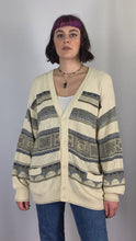 Load and play video in Gallery viewer, Vintage Knit Cardigan in Off White in Size M/L