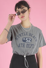 Load image into Gallery viewer, Vintage Reworked Crop Top T-Shirt in Grey with Graphic Print in M/L