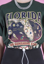 Load image into Gallery viewer, Vintage Reworked Crop Top T-Shirt in Green w Florida Print in S