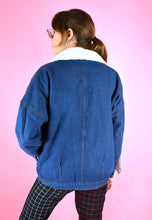 Load image into Gallery viewer, Vintage 90s Denim Jacket with Warm Teddy Lining in Blue in M/L