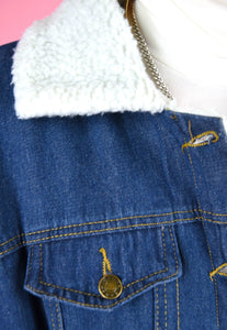 Vintage 90s Denim Jacket with Warm Teddy Lining in Blue in M/L