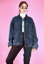 Load image into Gallery viewer, Vintage 90s Denim Jacket in Blue with Warm Flannel Lining in M/L