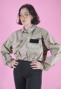 Vintage Reworked Crop Jacket Original US Army in Beige Camo in S/M
