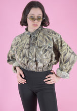 Load image into Gallery viewer, Vintage Reworked Crop Jacket Original US Army in Beige Camo in M