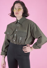 Load image into Gallery viewer, Vintage Reworked Crop Army Shirt in Green with Hog Patch in S/M