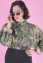 Load image into Gallery viewer, Vintage Reworked Crop Jacket Original US Army in Faded Camo in S/M