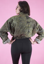 Load image into Gallery viewer, Vintage Reworked Crop Jacket Original US Army in Brown Camo in S/M