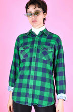 Load image into Gallery viewer, Vintage 90s Flannel Shirt Check Green Blue in M/L