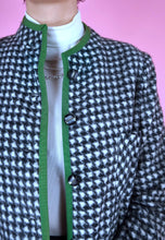 Load image into Gallery viewer, Vintage 90s Blazer Cropped Houndstooth Black White Green in XS/S