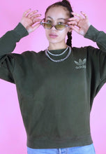 Load image into Gallery viewer, Vintage 90s Adidas Jumper Sweater Green in S/M