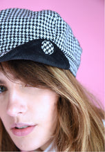 Load image into Gallery viewer, Vintage Inspired 90s Newsboy Cap Check Black White