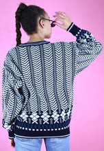 Load image into Gallery viewer, Vintage 90s Knit Jumper Geometric Pattern Blue White in M