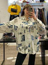 Load image into Gallery viewer, Vintage Shirt Blouse in Cream White with Blue and Brown Abstract Pattern and Pocket in XL