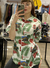 Load image into Gallery viewer, Vintage 90s Shirt Short Sleeve in White with Leaves Pattern in L