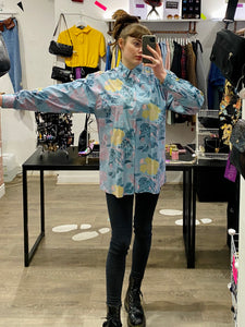 Vintage 90s Shirt Long Sleeve in Blue with Pink and Yellow Flower Print and Pocket in L