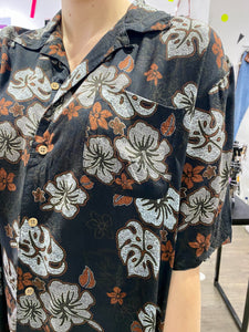 Vintage Shirt Hawaiian Short Sleeved in Black with Grey and Brown Flower Print in L