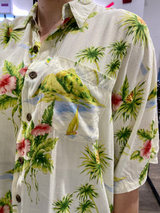 Vintage Shirt Hawaiian Short Sleeved in Cream White with Green Palm Trees and Pink Flowers in XL