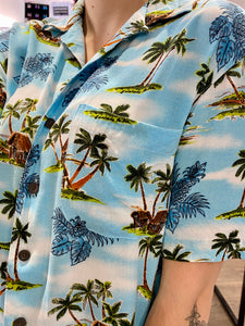Vintage Shirt Hawaiian Short Sleeved in Blue with Green and Beige Palm Tree Print in L