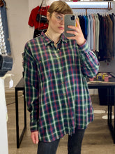 Load image into Gallery viewer, Vintage 90s Flannel Shirt Woolrich in Green, Blue, Red and White Checked with Pocket in L/XL