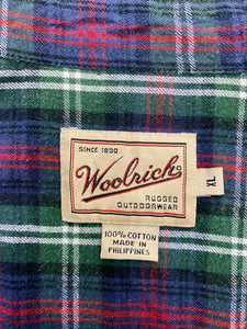 Vintage 90s Flannel Shirt Woolrich in Green, Blue, Red and White Checked with Pocket in L/XL