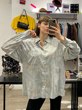 Load image into Gallery viewer, Vintage Shirt Blouse in Cream Grey Abstract Pattern with Pocket in XL