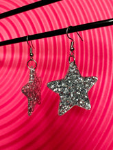 Load image into Gallery viewer, Vintage Inspired Earrings Sparkling Glitter Star in Silver