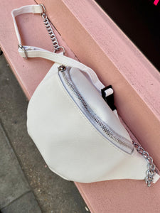 Vintage Inspired Cross Body Bum Bag in White Faux Leather Fanny Pack