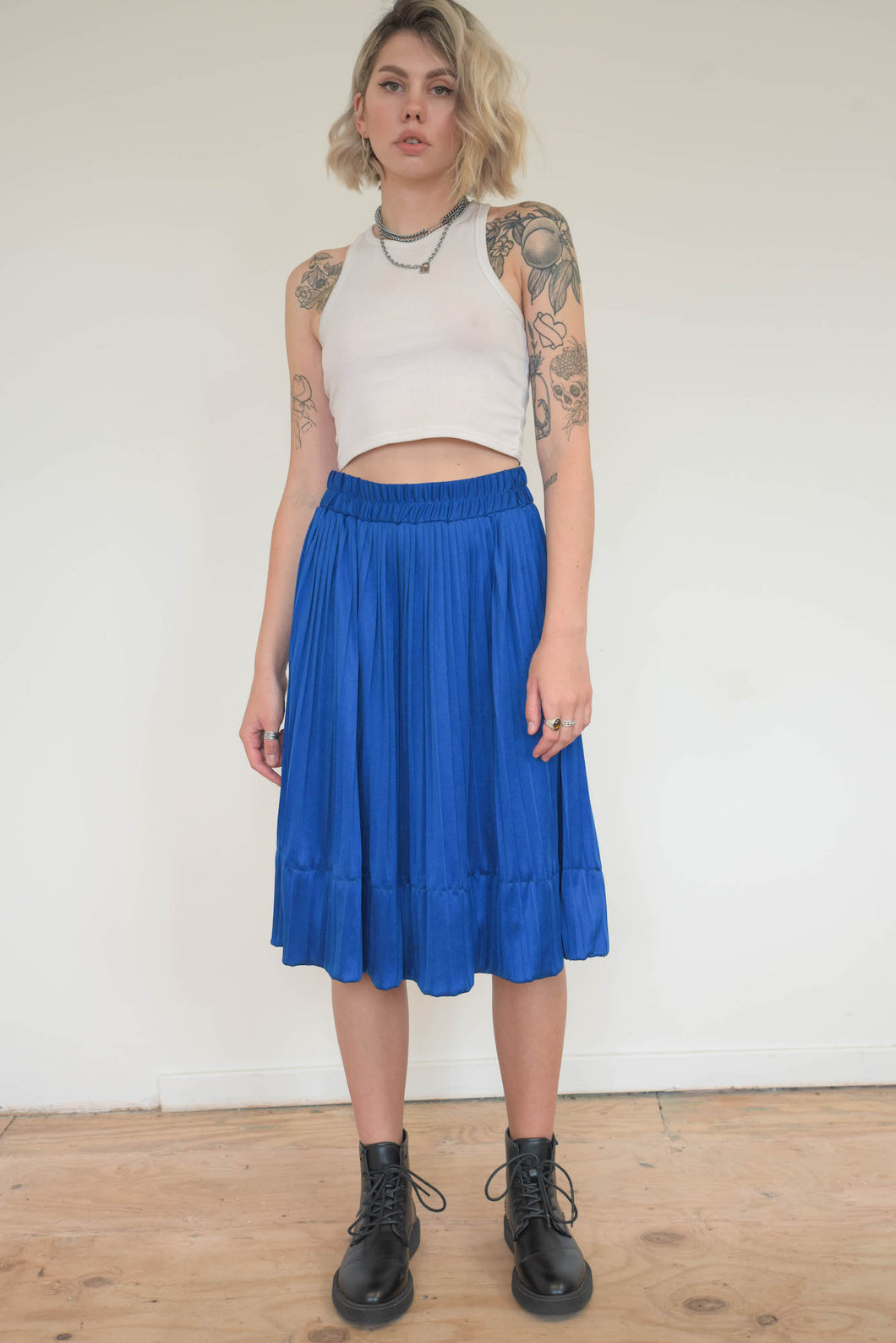 Vintage 70s Skirt Pleated Midi in Blue in S/M