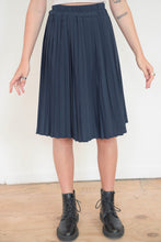 Load image into Gallery viewer, Vintage 70s Skirt Pleated Midi in Dark Blue in S