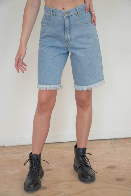 Vintage 90s Denim Shorts Bermuda in Light Blue Wash in S