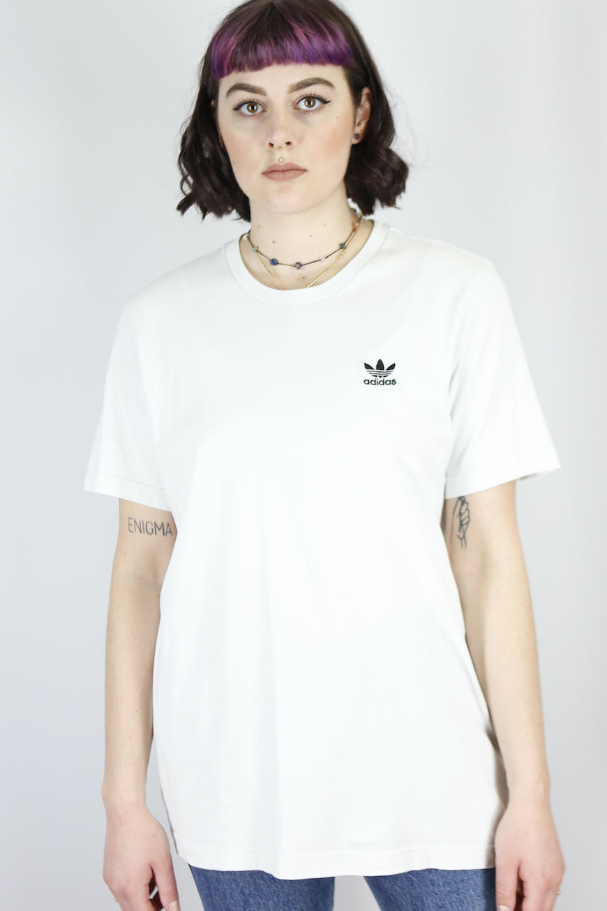 Vintage Adidas T-Shirt in White in Size M/L