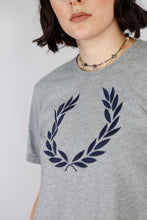 Load image into Gallery viewer, Vintage Fred Perry T-Shirt in Grey in Size M
