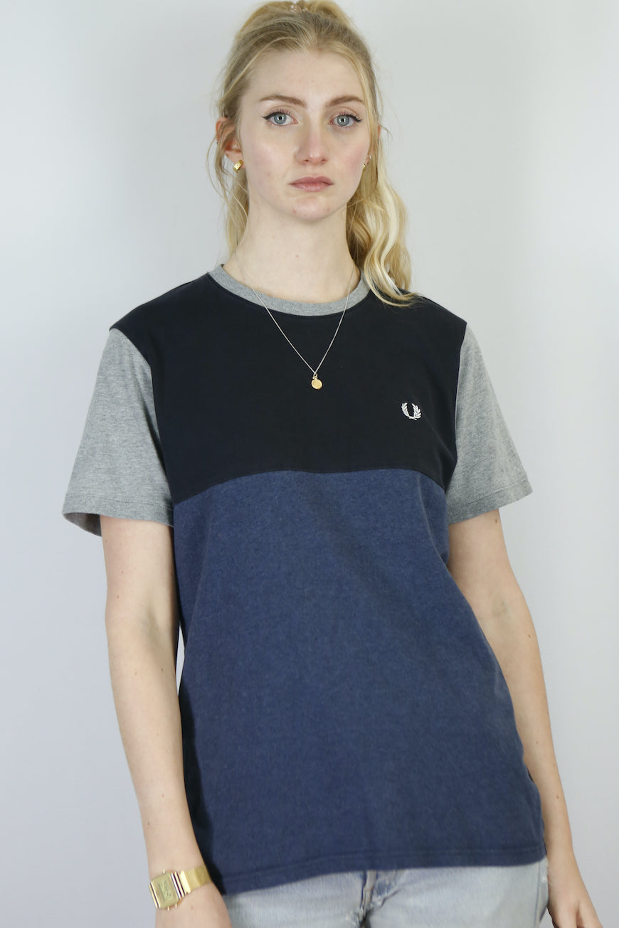 Vintage Fred Perry T-Shirt in Blue in Size S