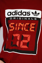 Load image into Gallery viewer, Vintage Adidas T-Shirt in Red in Size M