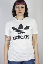 Load image into Gallery viewer, Vintage Adidas T-Shirt in White in Size S