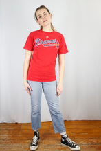Load image into Gallery viewer, Vintage Braves T-Shirt in Red in Size M