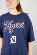 Load image into Gallery viewer, Vintage Detroit Tigers T-Shirt in Blue in Size L