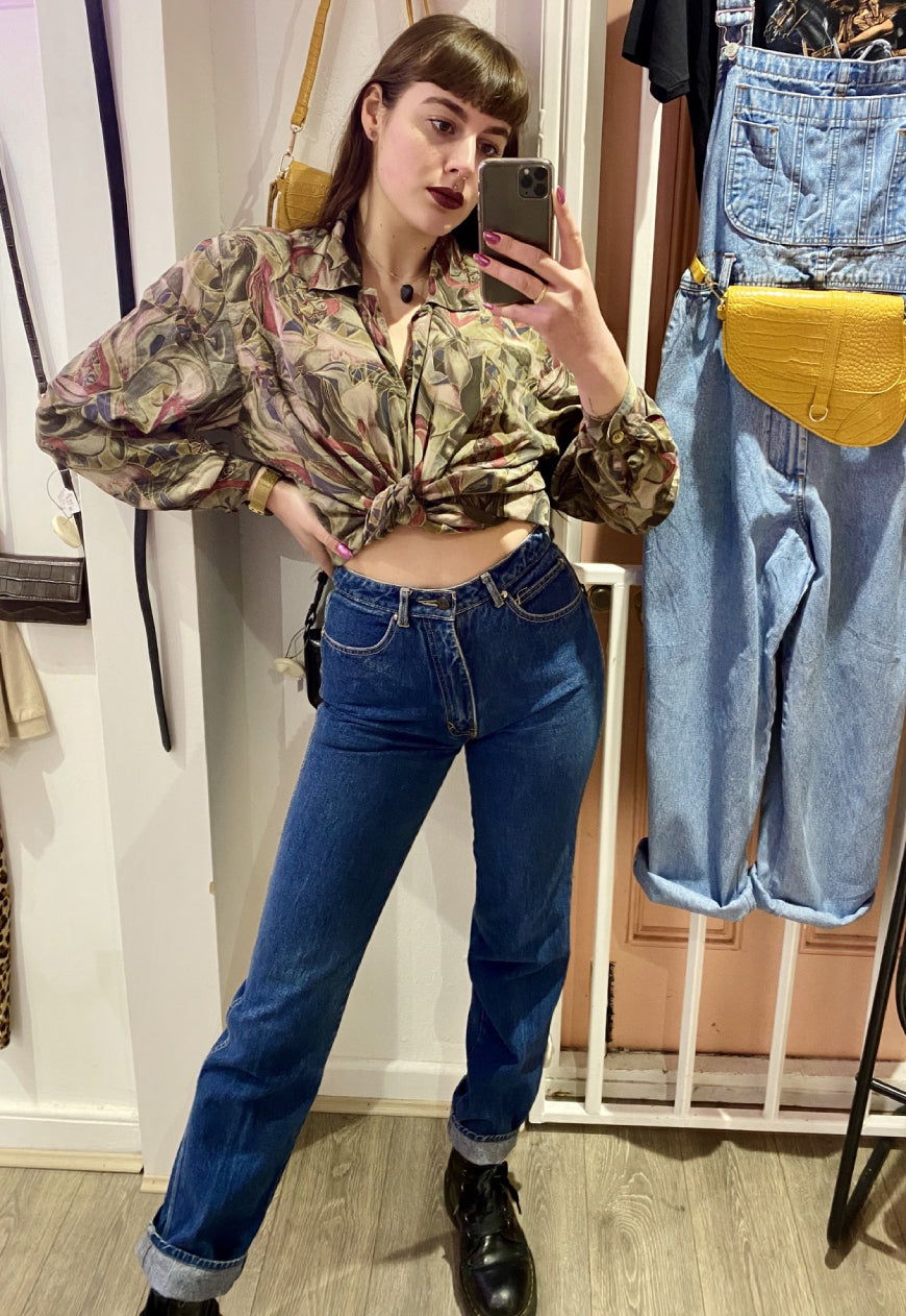 Vintage 90s Mom Jeans High Waisted in Dark Wash in XS/S
