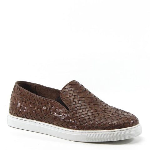 Classic slip-on shoes get a suave upgrade with Testosterone's ROW ASHORE loafers. Offering woven leather texture on the upper and a contrasting white sole, the shoes emit a relaxed, comfortable vibe – whether you're landlocked or headed for a day of sailing.
