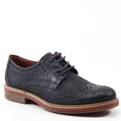 Look fly wearing a pair of sleek, wing-tipped loafers by TESTOSTERONE SHOES. The CAP STAN features a detailed wing tip with corresponding stitches and laces. It also feature an accented sole for style and comfort.