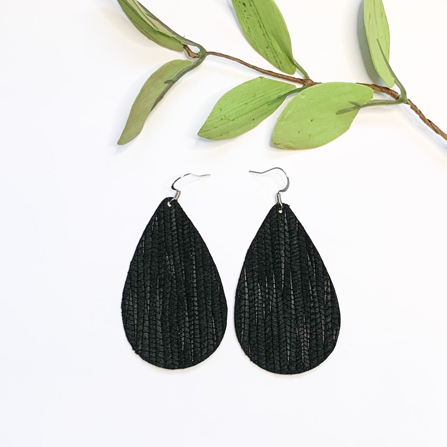 Leather-Black Bamboo Teardrop - GraceUnfaded