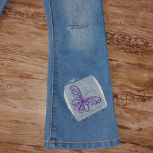 Load image into Gallery viewer, RTS Distressed Jeans Size 5T