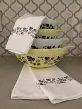 Load image into Gallery viewer, Pyrex Gooseberry Pattern Waffle Weave Dishtowel