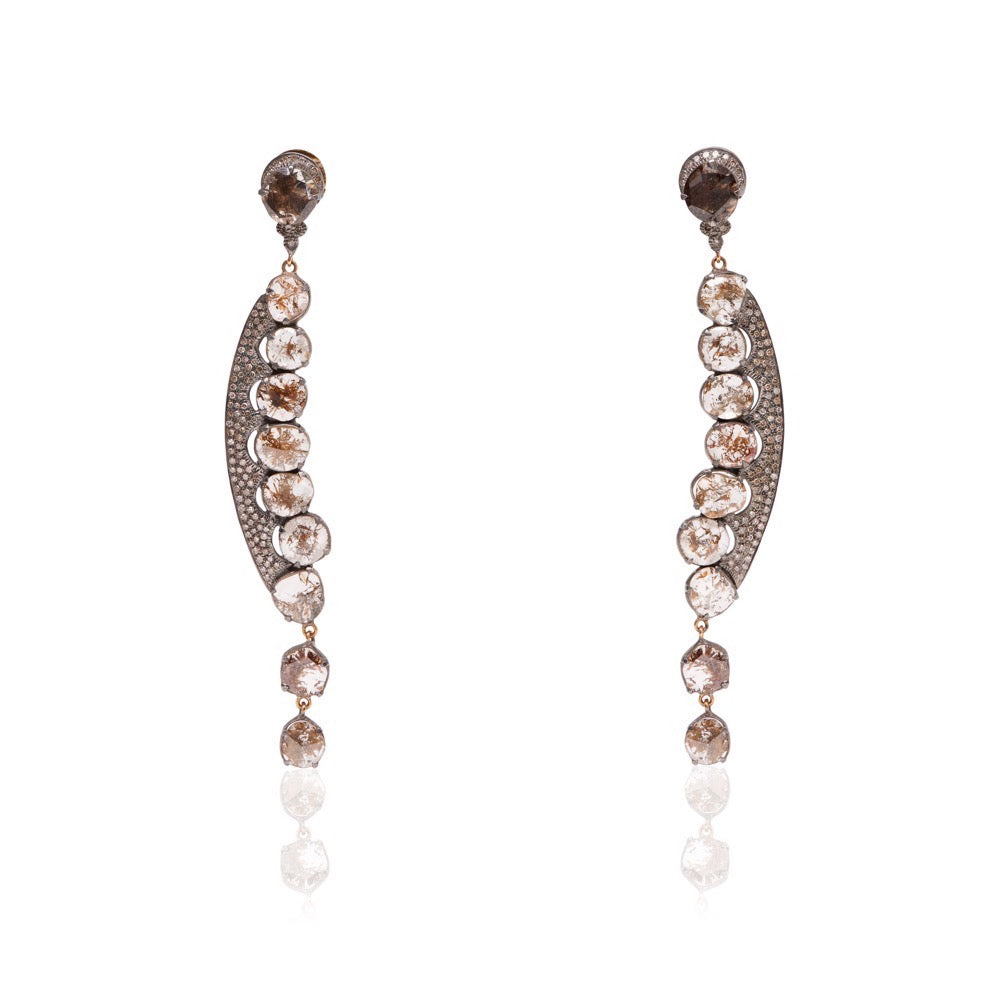 Cognac Diamond Earrings shaped like a peapod made in 18K yellow gold