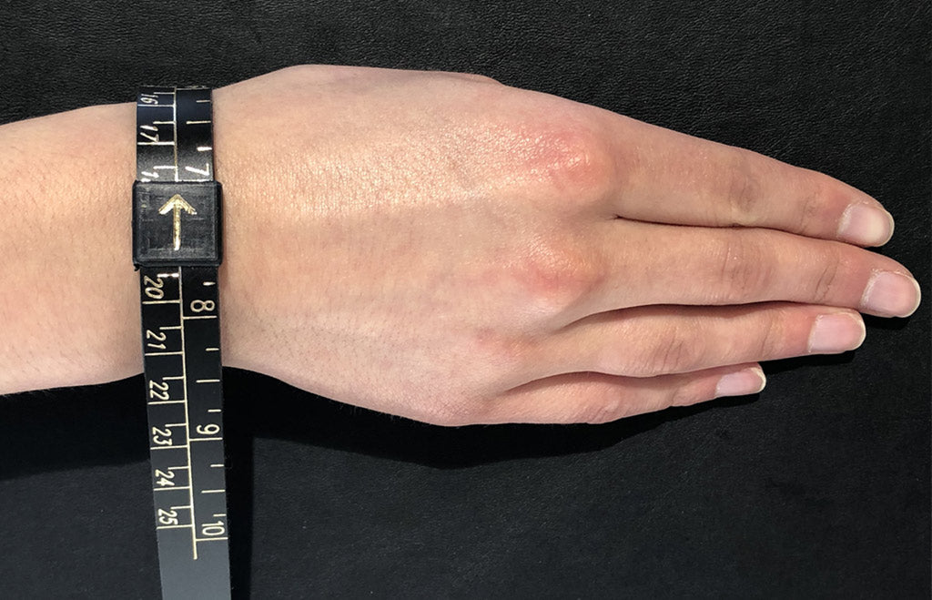 Measuring your wrist for a hinged or torque bangle