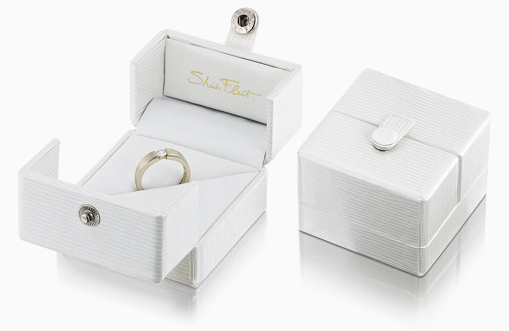 Sheila Fleet presentation boxes for engagement rings & wedding bands.
