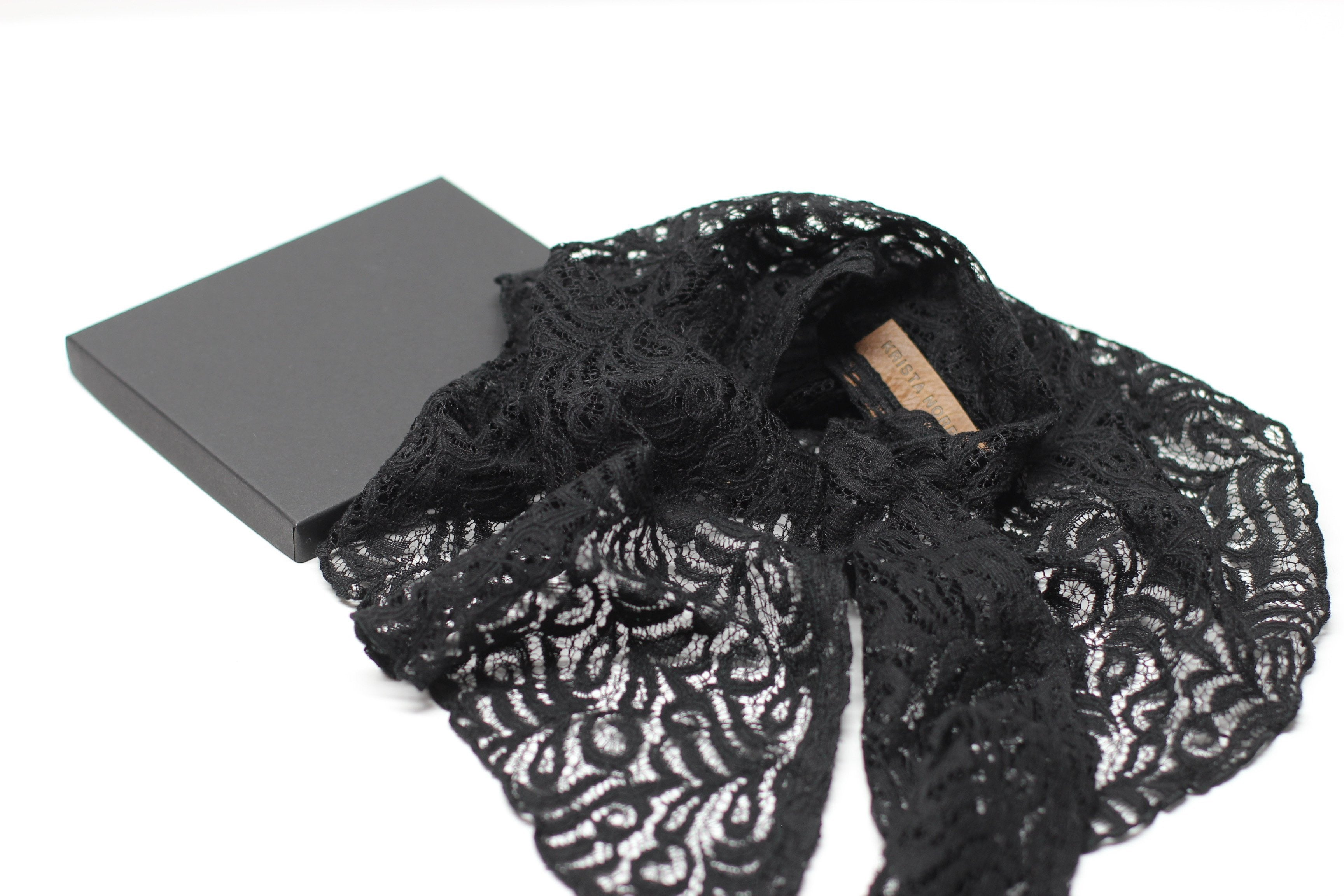 Lace Necktie - Black