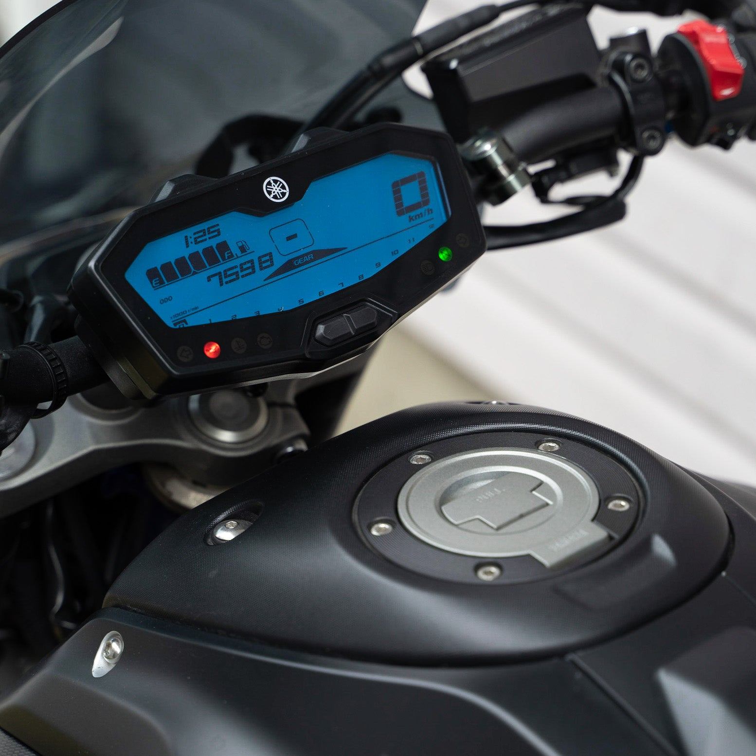 Blue dash FZ07 MT07