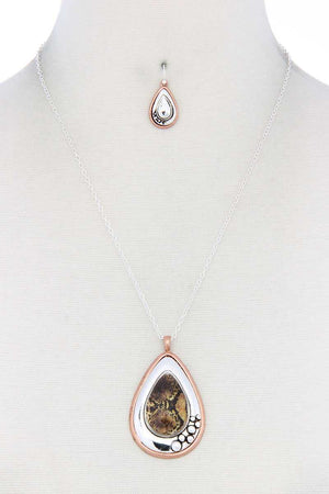 Metal Teardrop Shape Pendant Necklace